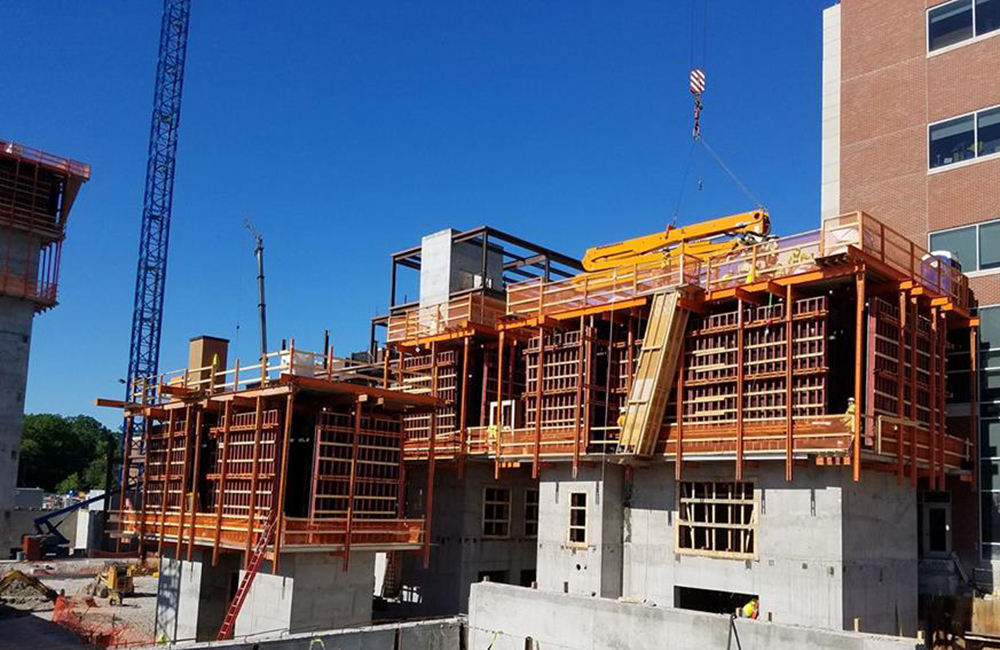 Self Climbing Concrete Formwork Maximizes Time Schedules